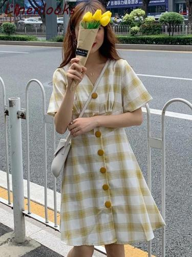Fashion v-neck short sleeve plaid dress