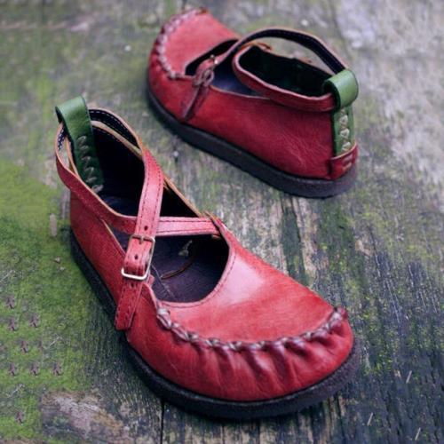 Vintage Buckle Flat Shoes