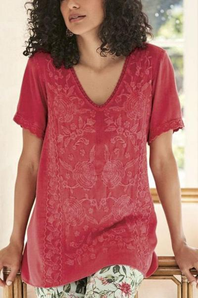 Linen V-neck Embroidery T-shirt