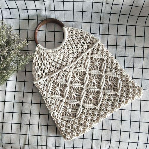 Openwork straw Shoulder Bags