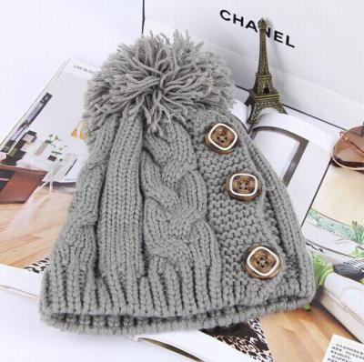 The New 2020 Three Buttons Knitted Caps Autumn Winter Women Warm Hats Student Hat for Women Wholesale