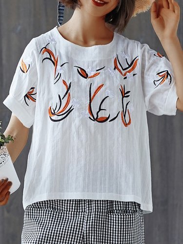 Plus Size Women  Embroidered Floral Short  Sleeve  Round  Neck Cotton And Linen Loose Casual Top