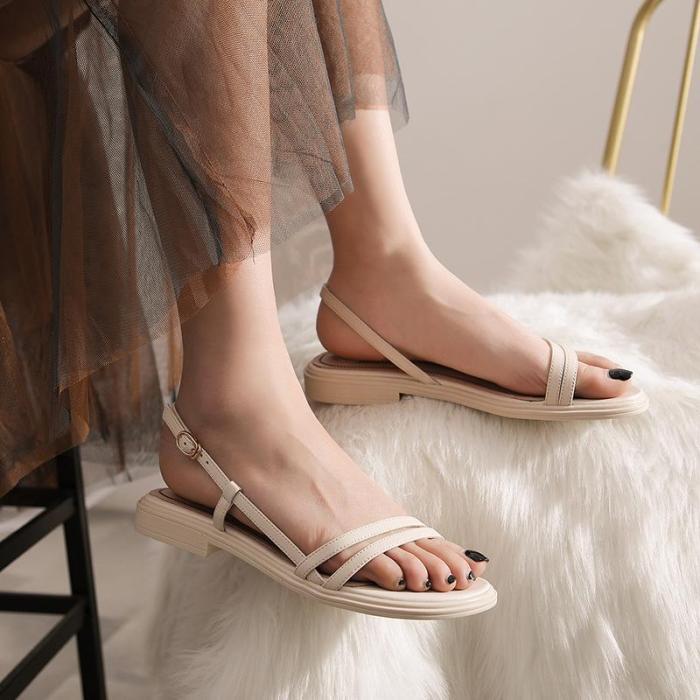 Pretty Girls Low Heels Slip on Women Sandals Low Heels Peep Round Toe Summer Vocation Shoes