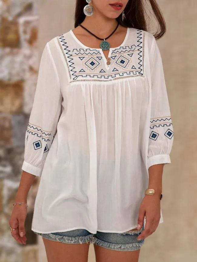 White Crew Neck Ethnic Shift Embroidery Top