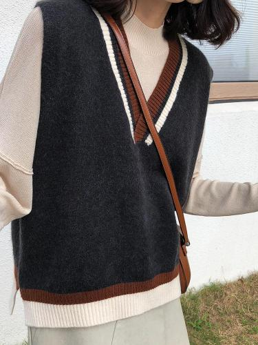 V-neck Knitted Vest In Autumn and Winter