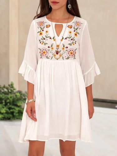 White Crew Neck Half Sleeve Boho EmbroideryMini Dress