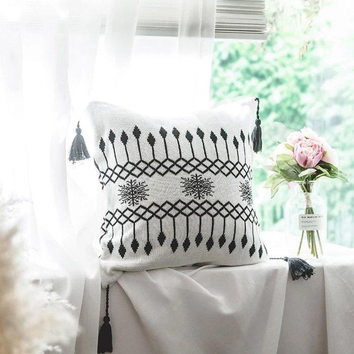 Printed Tasseled Crochet Knit Blankets
