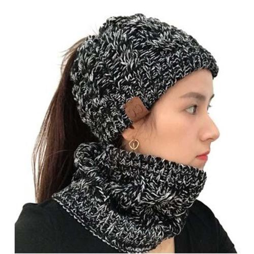 Twist Empty Head Knitted Cap and Scarf Set Autumn Winer Warm Horsetail Pompom Skullies Beanies Hat ForWomen