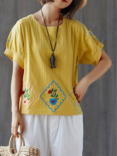 Plus Size Women  Embroidered Short  Sleeve  Round  Neck Cotton And Linen Loose Casual Top