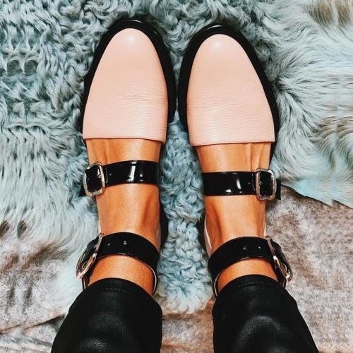 Buckle Color block Sandals Flats
