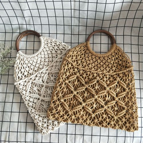 Openwork straw Shoulder Bags
