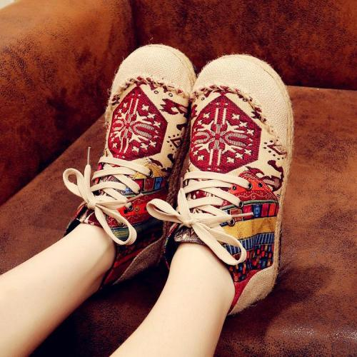 Embroidered Shoes Women's Cotton and Linen Shoes Martin Boots