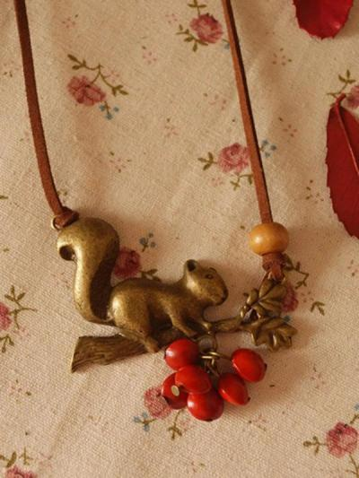 Vintage Squirrel Red Beans Necklace