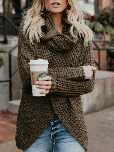 Solid Buttoned Casual Sweater