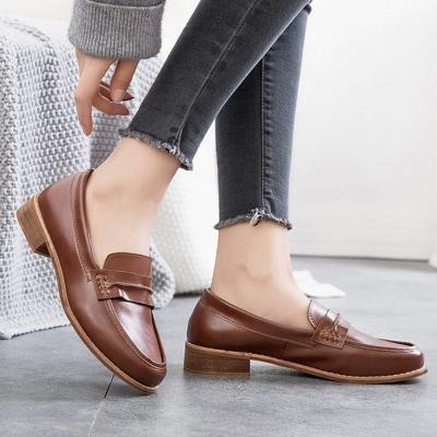 Women Classic Low Heel Casual Leather Loafers