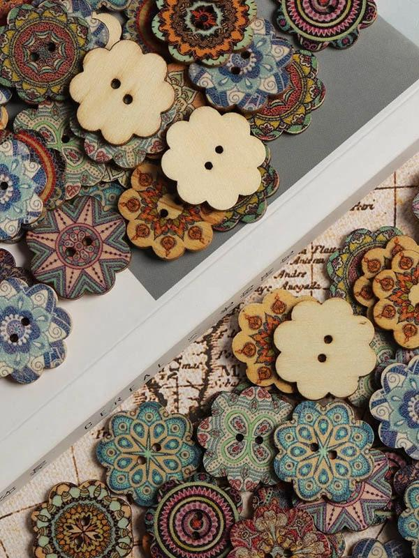About 100Pcs Multi-Color Wooden Buttons