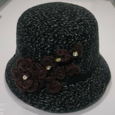 Ladies Hats Are Cold, Warm and Stylish In Autumn and Winter
