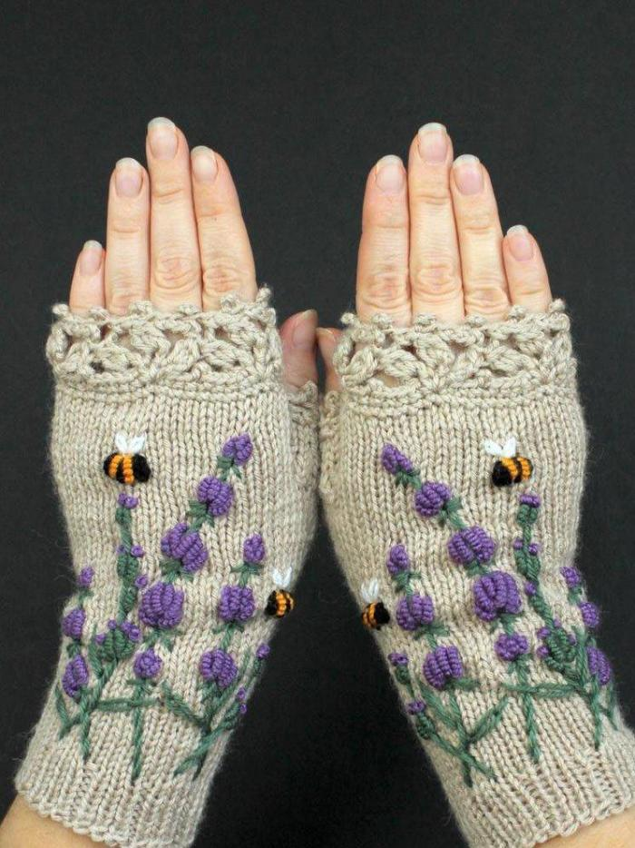 Brown Knitted Sweet Gloves & Mittens