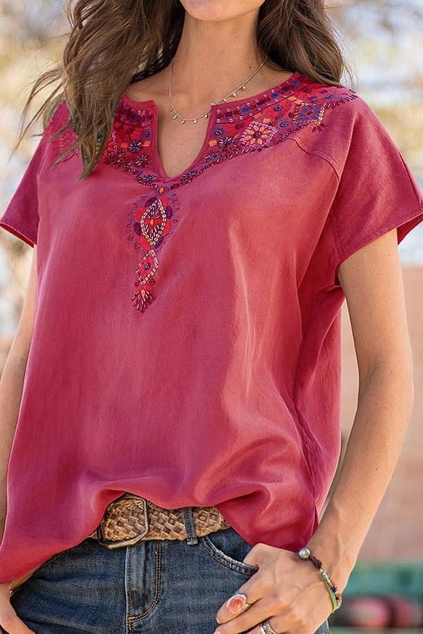 Embroidery Print V-neck Casual Vinatge T-shirt