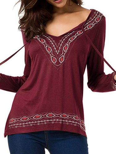 Basic V neck Embroidered Plus Size Cotton-blend T-Shirt