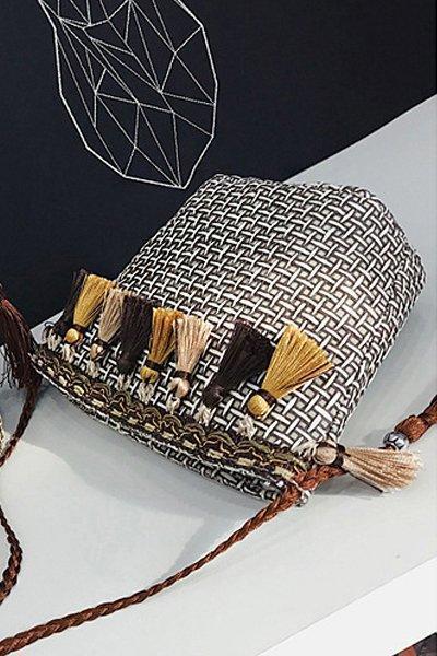 Women's Beach Tassel Zipper Woven Straw Sling Bag