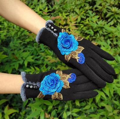 Women's autumn winter thicken warm flower embroidery gloves lady's touch screen vintage dancing driving glove R2373