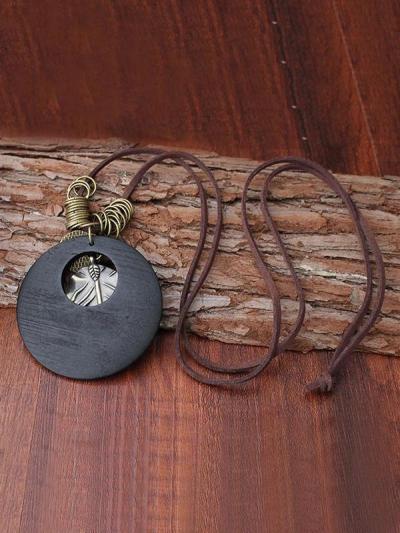 Vintage Leaf Pendant Necklace
