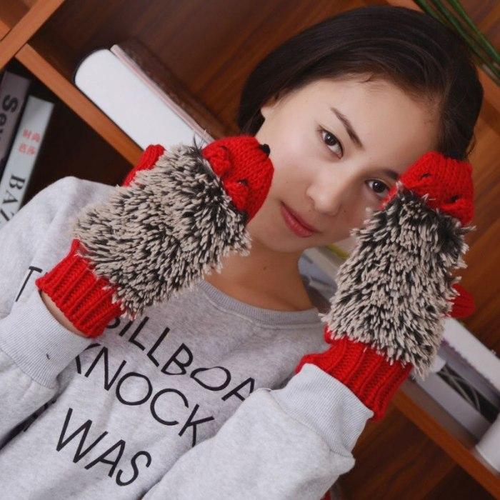 Winter Gloves for Women Knit Warm Fitness Gloves Hedgehog Heated Villus Wrist Mittens