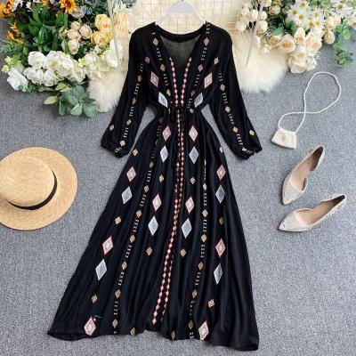 Autumn New Female Fashion Embroidery Long Sleeve Frenulum Slim Long Dresses
