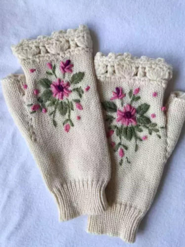 Autumn Honeybee Flower Embroidery Gloves Women's Winter Warm Gloves Wool Weaving Factory Processing Custom Knitted Gloves