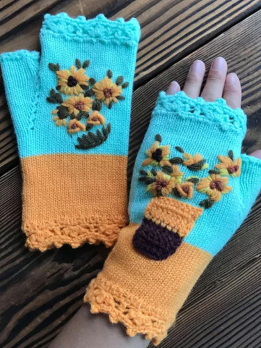 Women's Winter Daisy Hand Embroidered Warm Gloves Wool Knitted Gloves