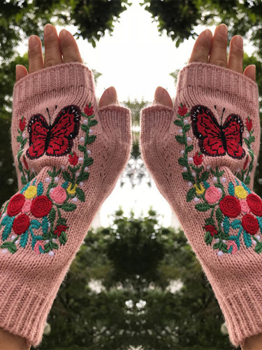 Autumn and winter new women's knitted gloves butterfly flower warm gloves