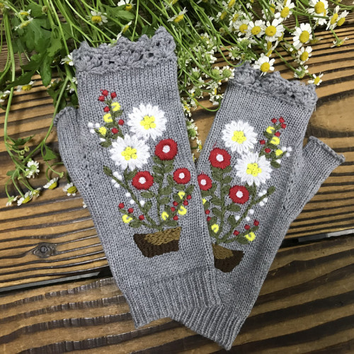 New embroidered knitted small red flower women's warm gloves