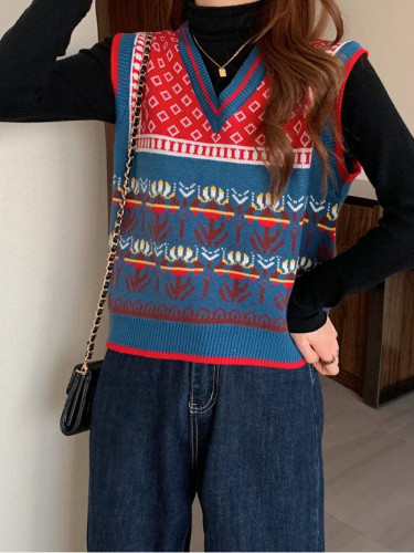 Striped Vintage Knitted Sweater Vest Women Pullover V-Neck Embroider Knitted Vest