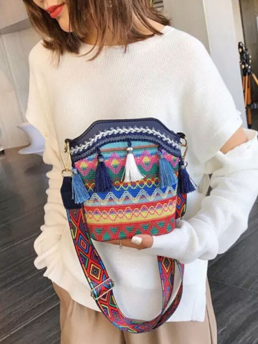 Vintage Ethnic Shoulder Bag Embroidered Bohemia Tassel Tote