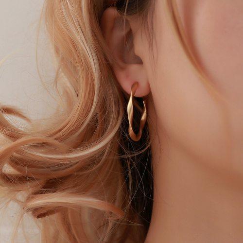 Female Creative Earrings Simple Geometric Twisted Earring Retro Jewelry
