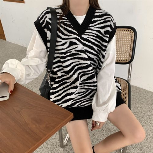 Women Waistcoat Sweater Vest Fashion Zebra Pattern Knitted Sweaters Pullover V Neck Autumn Winter Warm Tops Loose Woman Clothes