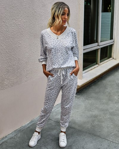 Autumn Winter Women Sets Fashion Leopard Home Wear Sports Casual V-neck Loose Top Long Sleeve Trousers 2-piece Set Leisure Suit
