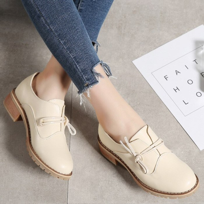 Women's Shoes Fall  Winter 2021 Single Shoes Leisure  Sets  Thick Heels Chinese   Leather Shoes Manufacturers CQY-F5171
