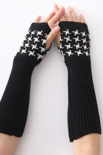 New Women Embroidered Spring Autumn Winter Arm Warmers Sleeves Arms For Woman Girls Solid Color Fingerless Gloves Arm Warmer