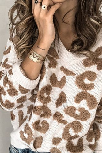 Woman Winter Warm Sweaters Leopard Print V-Neck Long Sleeve Autumn Knitted Pullover Tops Fashion Female Street Wear Outfits