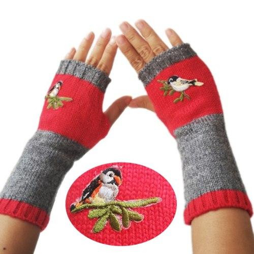 2021 New Womens Knitted Fingerless Birds Embroidery Winter Gloves Plus Velvet Color Block Splice Mittens Girls Gloves