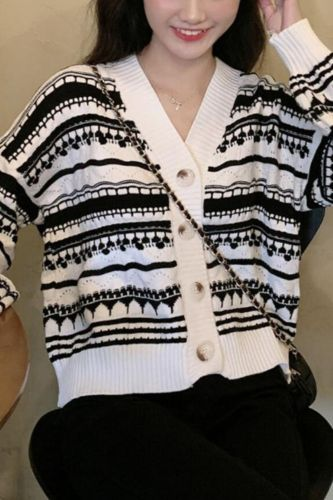 Retro Little Fragrant Style V-neck Striped Short Long-Sleeved Knitted Cardigan Jacket Women's New Loose Outer Jacket