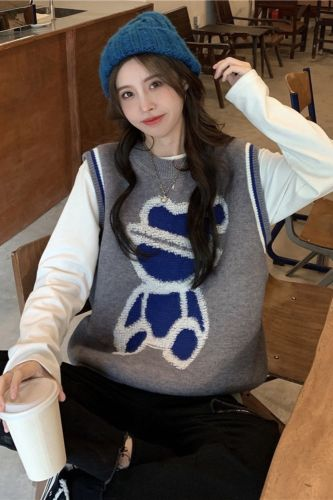 New Fashion Spring 2021 Women Sweaters Casual Vest Warm Long Design Female Knitted Sweater Bear Vest Cardigan Sweater Lady