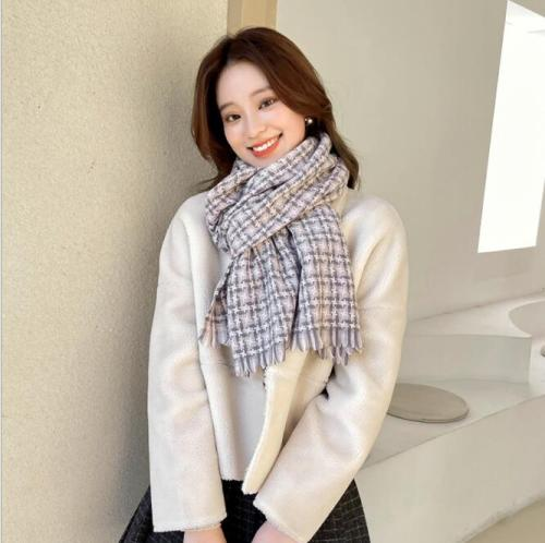 New autumn/winter 2021 geometric black and white chequered imitation cashmere scarf Korean version all-match scarf shawl 200*100