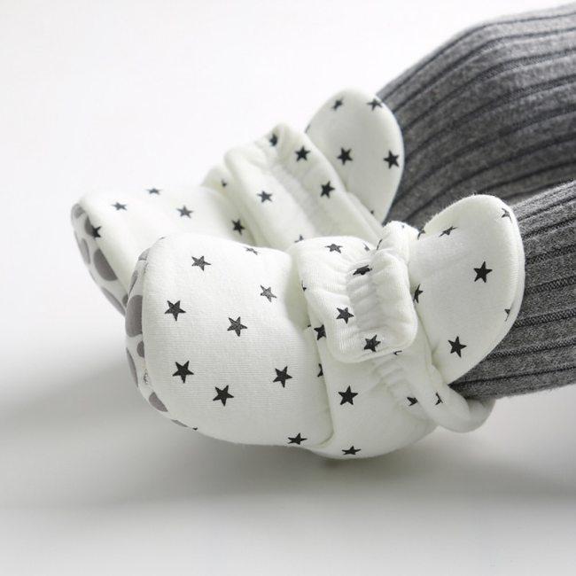 Star Print Newborn Baby Socks Shoes Booties Cotton Soft Anti-slip Warm Infant Crib Shoes