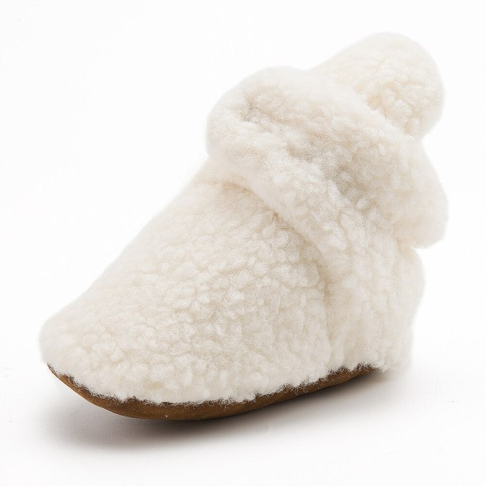 Baby Fleece Booties Soft Infant Toddler Shoes First Walkers Anti-slip Warm Newborn Infant Crib Shoes
