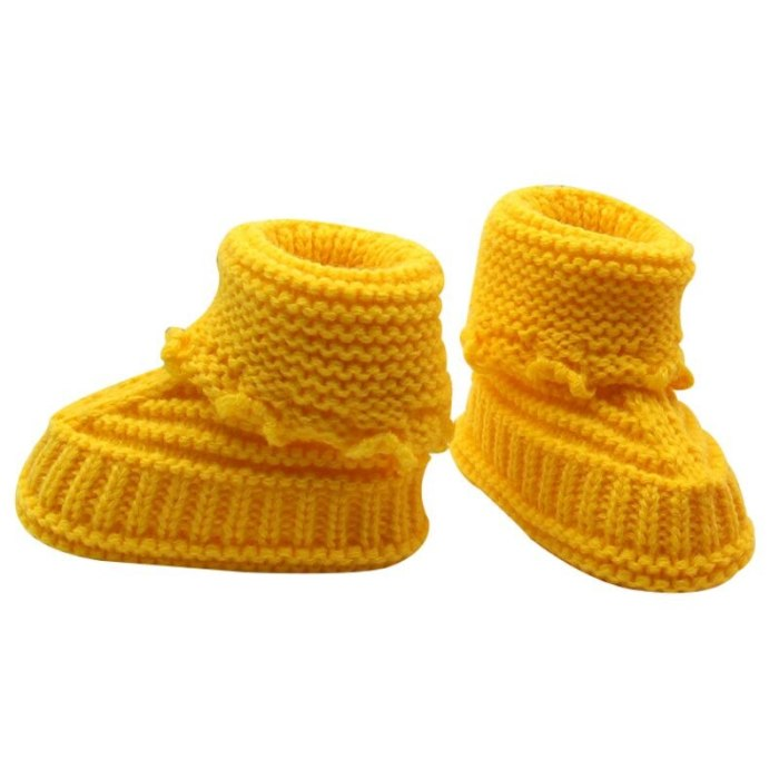 Handmade Newborn Baby Boots Crib Shoes Infant Crochet Knit winter warm Booties