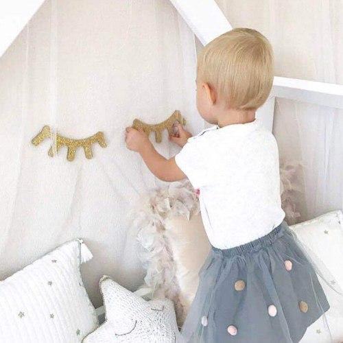 2PCS Wooden Eyelash Wall Sticker 3D Cute Sleepy Eyes Decal DIY Kids Room Decoration Wall Art Home Decor