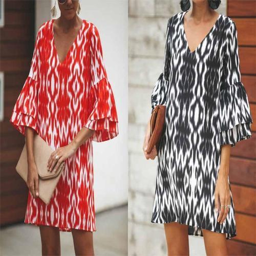 V Neck  Tie Dye  Bell Sleeve  Three Quarter Sleeve Casual Dresses